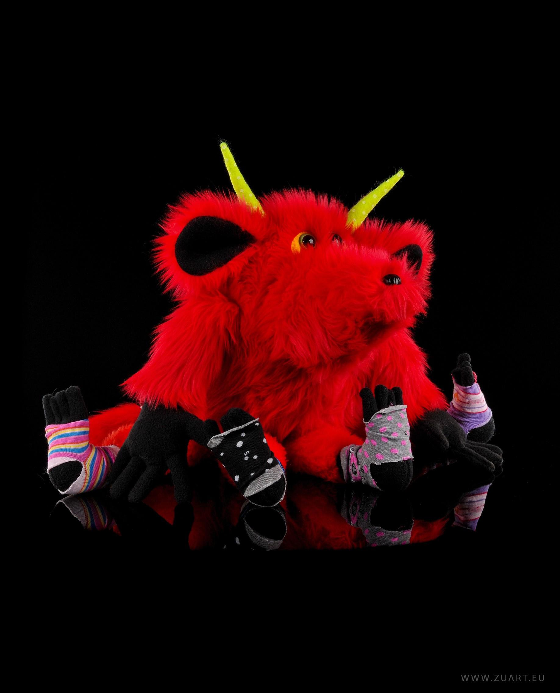 zuart_handmade_toys_zabawka_floozy_czerwony_1