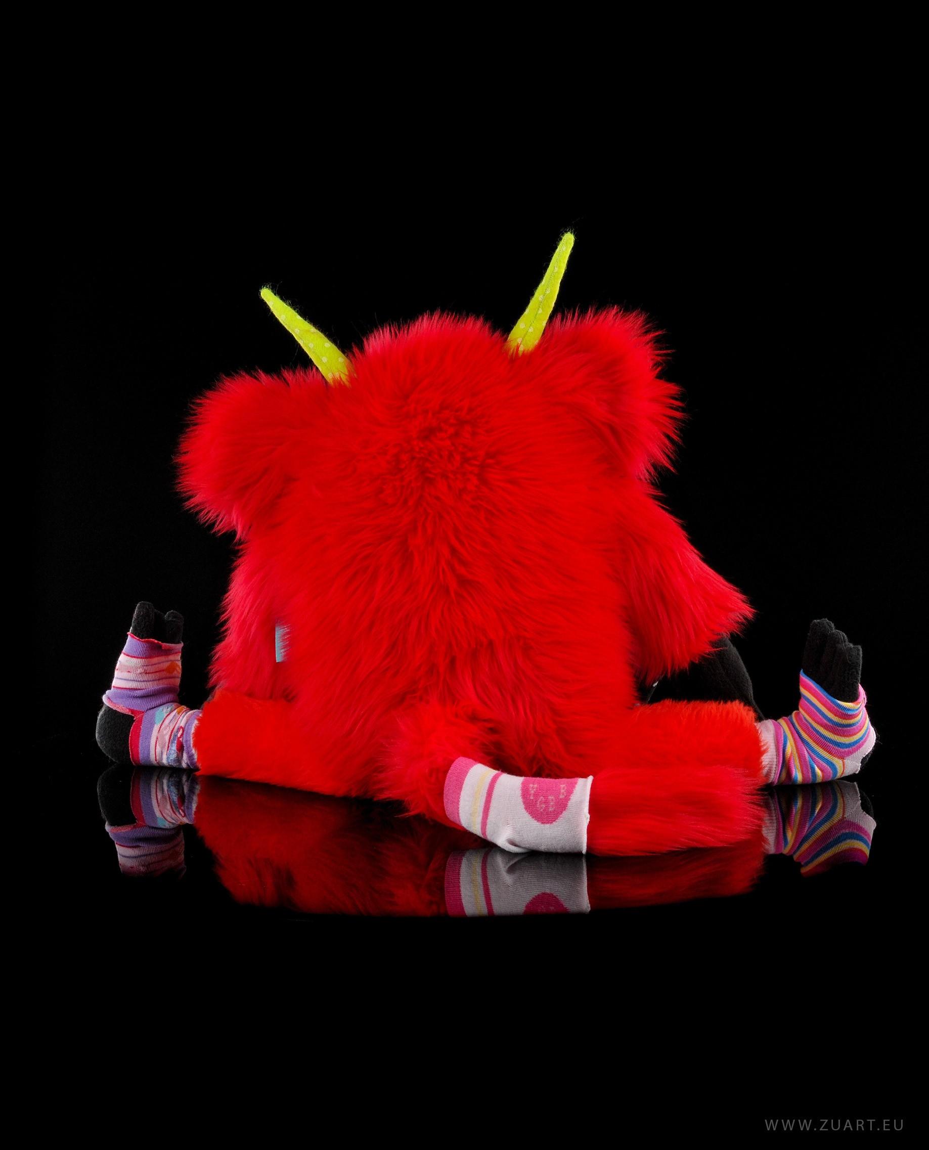 zuart_handmade_toys_zabawka_floozy_czerwony_2
