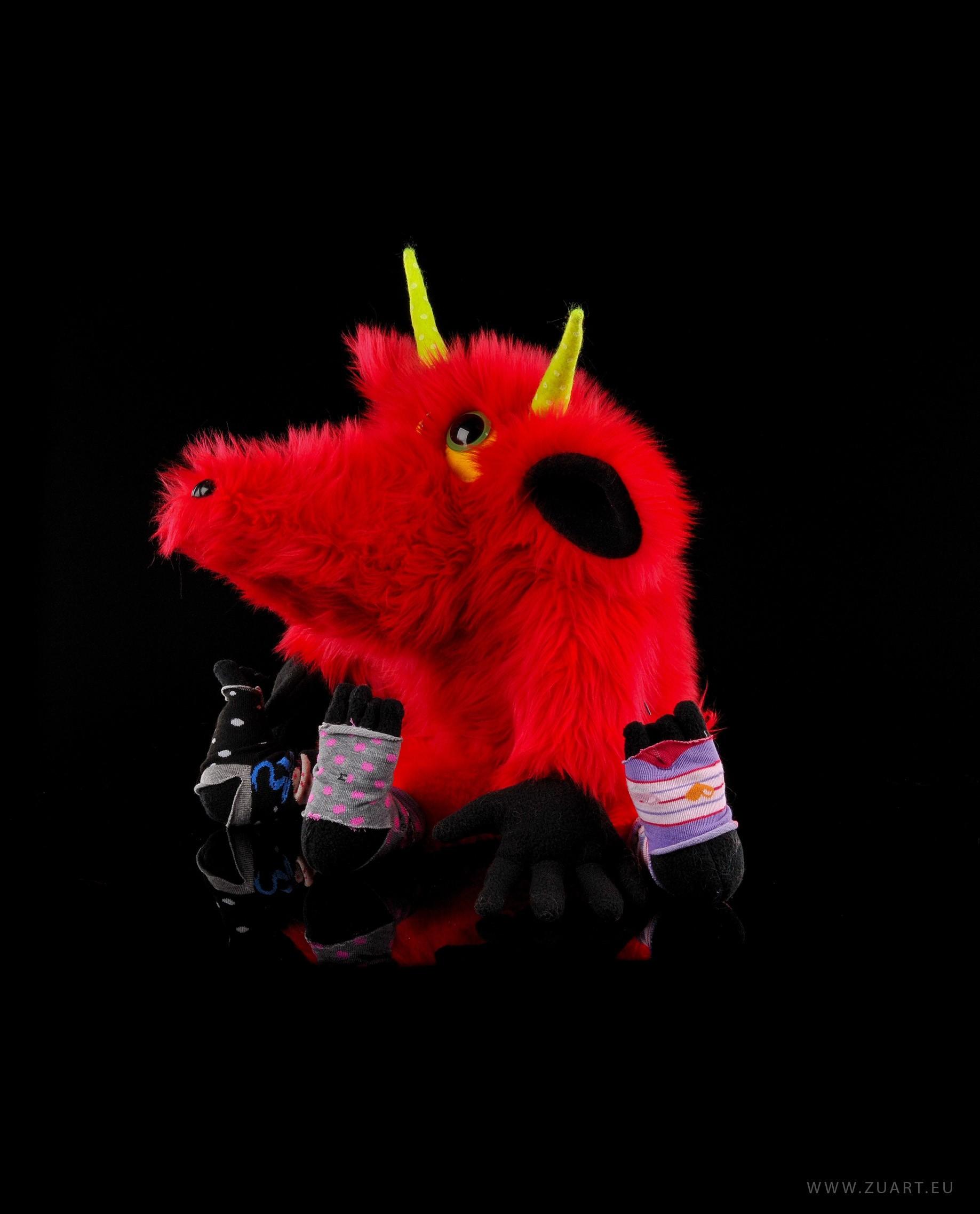 zuart_handmade_toys_zabawka_floozy_czerwony_3